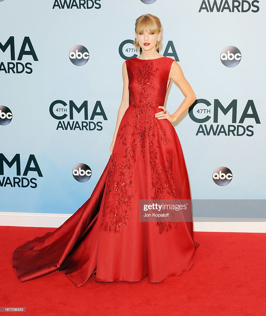 Singer <a gi-track='captionPersonalityLinkClicked' href=/galleries/search?phrase=Taylor+Swift&family=editorial&specificpeople=619504 ng-click='$event.stopPropagation()'>Taylor Swift</a> attends the 47th annual CMA Awards at the Bridgestone Arena on November 6, 2013 in Nashville, Tennessee.