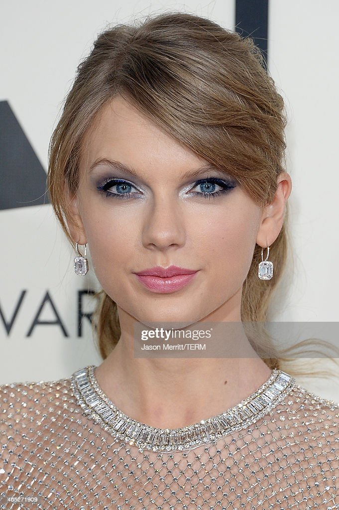 Singer Taylor Swift attends the 56th GRAMMY Awards at Staples Center on January 26, 2014 in Los Angeles, California.