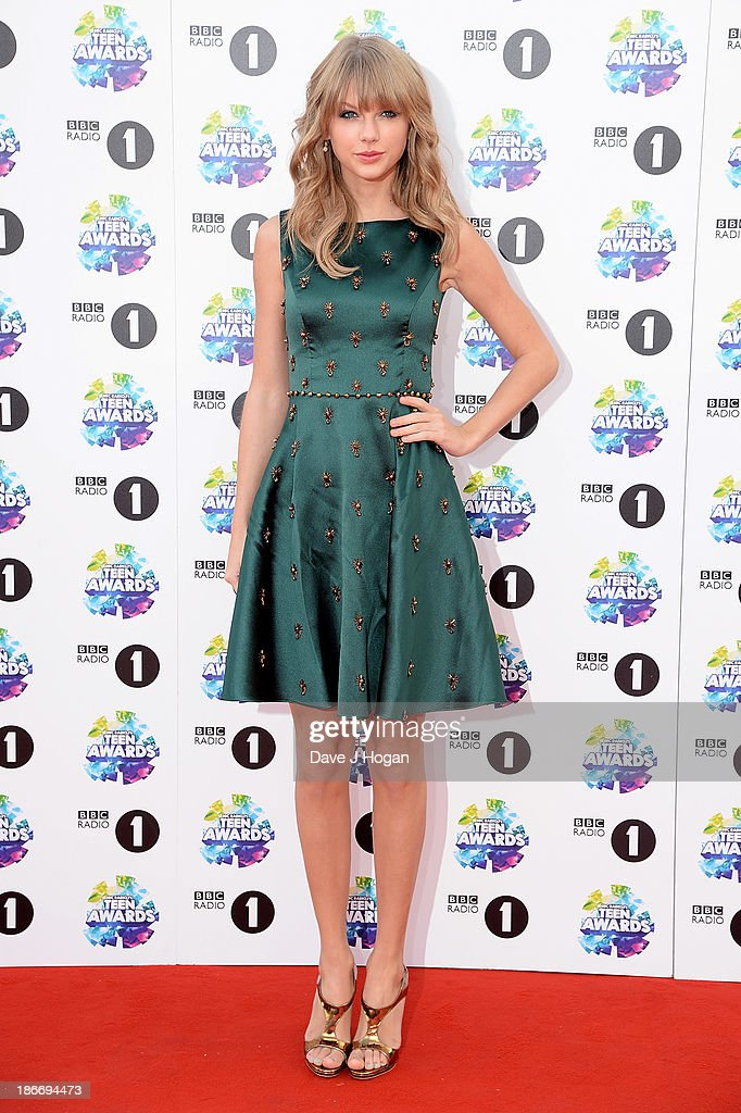 Singer <a gi-track='captionPersonalityLinkClicked' href=/galleries/search?phrase=Taylor+Swift&family=editorial&specificpeople=619504 ng-click='$event.stopPropagation()'>Taylor Swift</a> attends the BBC Radio 1 Teen Awards at Wembley Arena on November 3, 2013 in London, England.