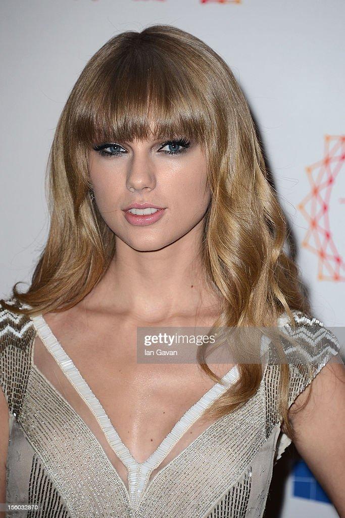 Singer Taylor Swift attends the MTV EMA's 2012 at Festhalle Frankfurt on November 11, 2012 in Frankfurt am Main, Germany.