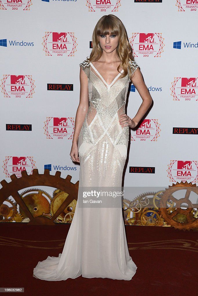 Singer Taylor Swift attends the MTV EMA's 2012 at Festhalle Frankfurt on November 11, 2012 in Frankfurt am Main, Germany.