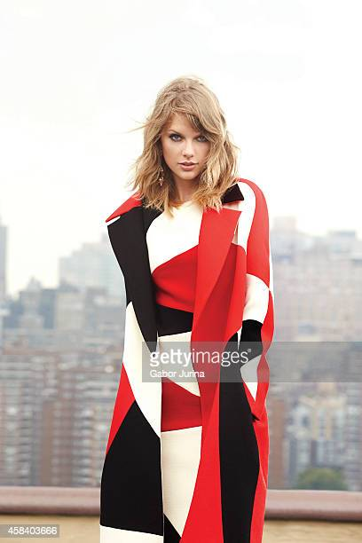 Singer Taylor Swift is photographed for Fashion Magazine on November 1 2014 in New York City ON DOMESTIC EMBARGO UNTIL JANUARY 13 2015 ON...