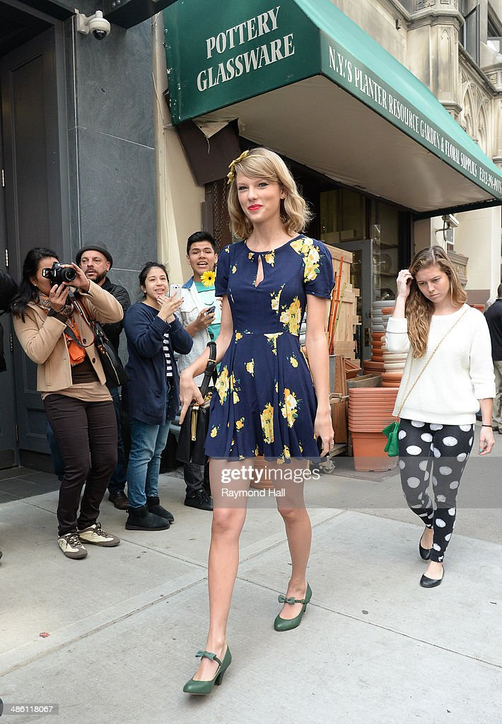 Singer <a gi-track='captionPersonalityLinkClicked' href=/galleries/search?phrase=Taylor+Swift&family=editorial&specificpeople=619504 ng-click='$event.stopPropagation()'>Taylor Swift</a> is seen shopping at 'Pottery Glassware' in Soho on April 22, 2014 in New York City.