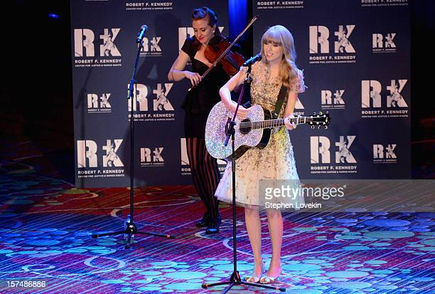 Singer Taylor Swift performs at the 2012 Ripple Of Hope Gala at The New York Marriott Marquis on December 3 2012 in New York City