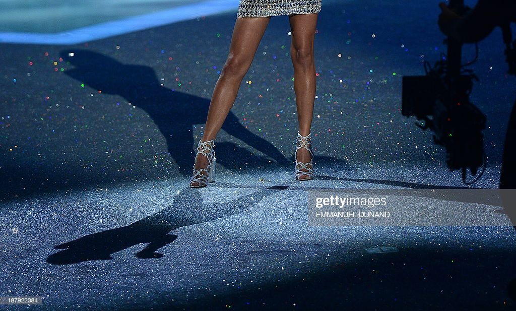 Singer <a gi-track='captionPersonalityLinkClicked' href=/galleries/search?phrase=Taylor+Swift&family=editorial&specificpeople=619504 ng-click='$event.stopPropagation()'>Taylor Swift</a> performs during the 2013 Victoria's Secret Fashion Show at the Lexington Avenue Armory on November 13, 2013 in New York. AFP PHOTO/Emmanuel Dunand