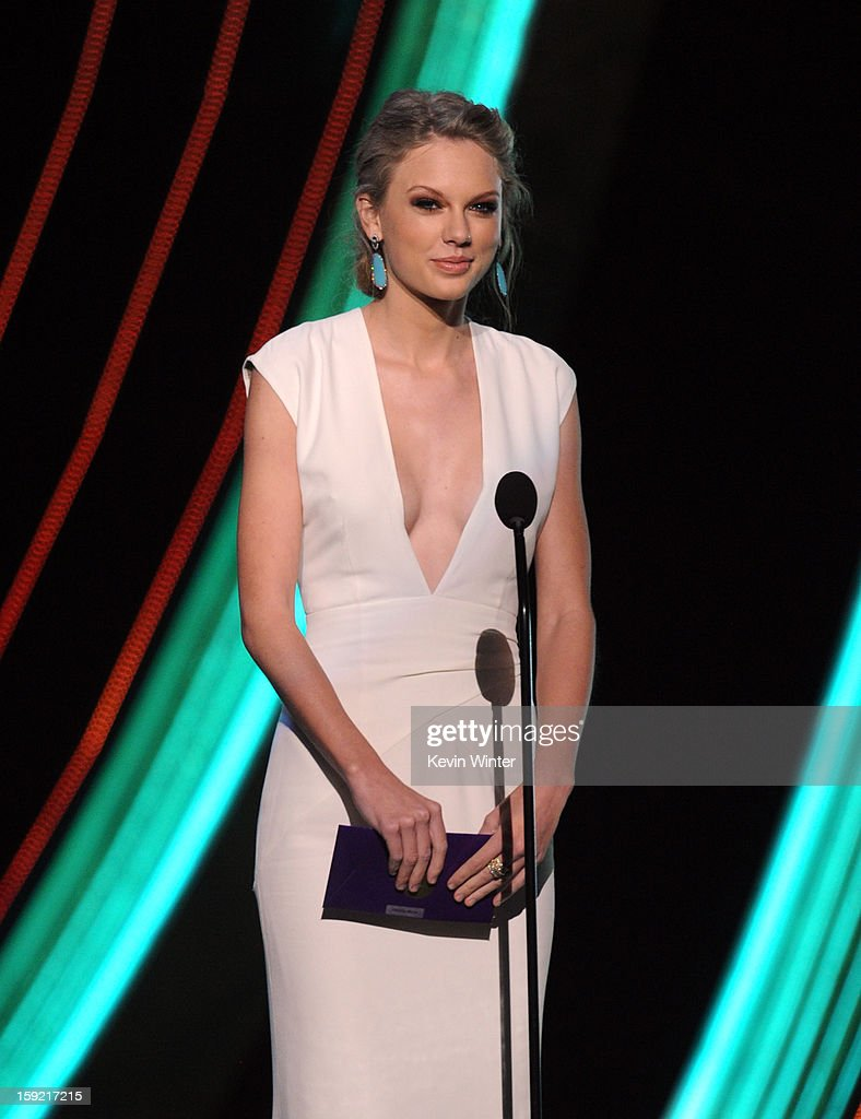 Singer Taylor Swift speaks onstage at the 39th Annual People's Choice Awards at Nokia Theatre L.A. Live on January 9, 2013 in Los Angeles, California.