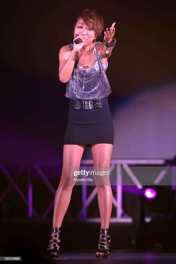 Singer Thelma Aoyama performs during the Girls Award 2010 at Yoyogi National Gymnasium on May 22, 2010 in Tokyo, Japan.