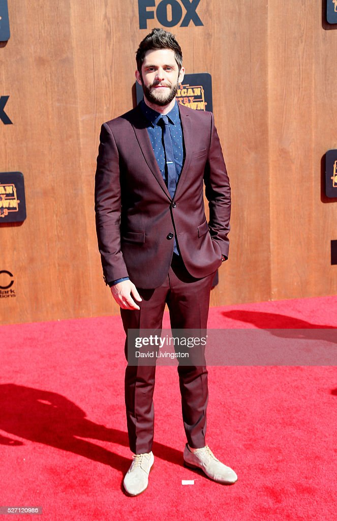 Singer <a gi-track='captionPersonalityLinkClicked' href=/galleries/search?phrase=Thomas+Rhett&family=editorial&specificpeople=9092574 ng-click='$event.stopPropagation()'>Thomas Rhett</a> attends the 2016 American Country Countdown Awards at The Forum on May 01, 2016 in Inglewood, California.