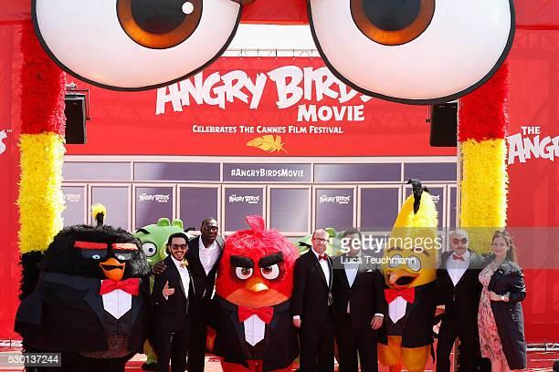 Singer Timur Rodriguez actor Omar Sy producer John Cohen actors Josh Gad Maccio Capatonda and TV presenter Raya Abirached attend 'The Angry Birds...