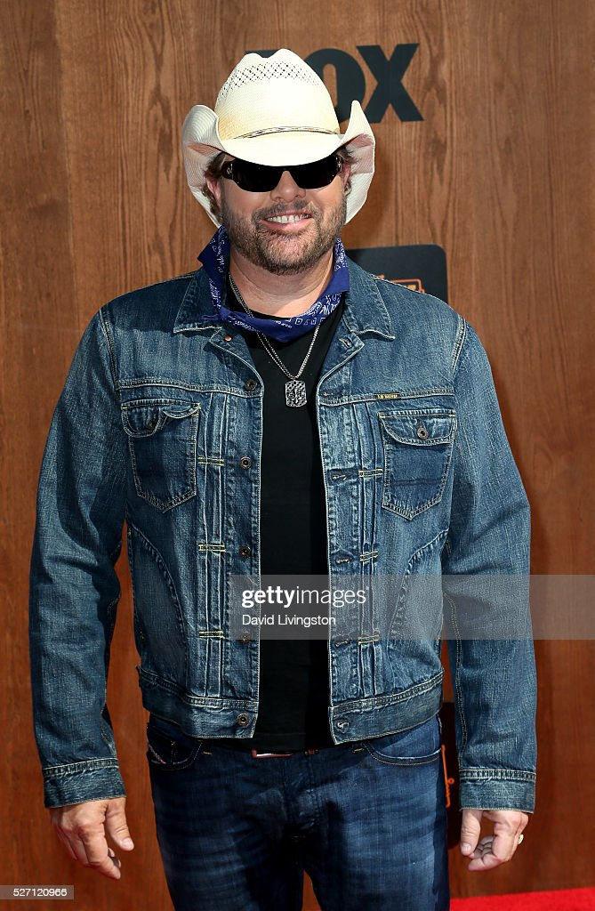 Singer <a gi-track='captionPersonalityLinkClicked' href=/galleries/search?phrase=Toby+Keith&family=editorial&specificpeople=204525 ng-click='$event.stopPropagation()'>Toby Keith</a> attends the 2016 American Country Countdown Awards at The Forum on May 01, 2016 in Inglewood, California.