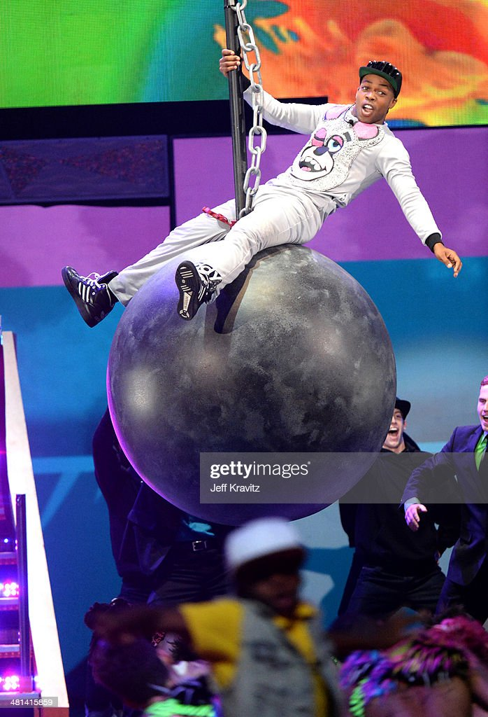 Singer <a gi-track='captionPersonalityLinkClicked' href=/galleries/search?phrase=Todrick+Hall&family=editorial&specificpeople=6735399 ng-click='$event.stopPropagation()'>Todrick Hall</a> performs onstage at Nickelodeon's 27th Annual Kids' Choice Awards at USC Galen Center on March 29, 2014 in Los Angeles, California.