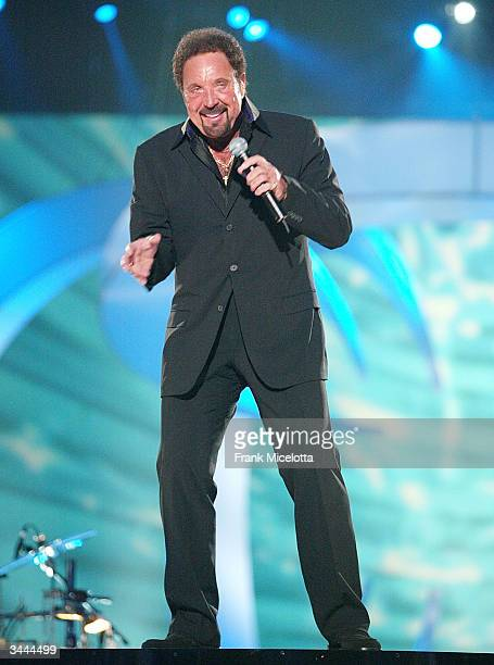 Singer Tom Jones peforms on stage at the 7th Annual VH1 'Divas' Concert Benefiting The Save The Music Foundation at the MGM Grand Garden Arena April...