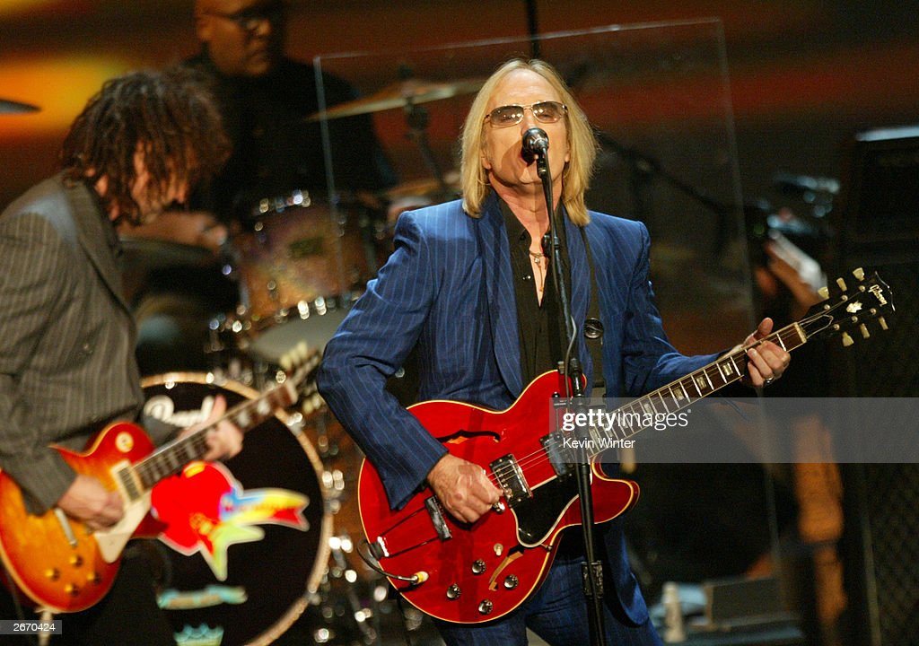 Singer Tom Petty performs onstage at The 2003 Radio Music Awards at the Aladdin Casino Resort October 27, 2003 in Las Vegas, Neveda.