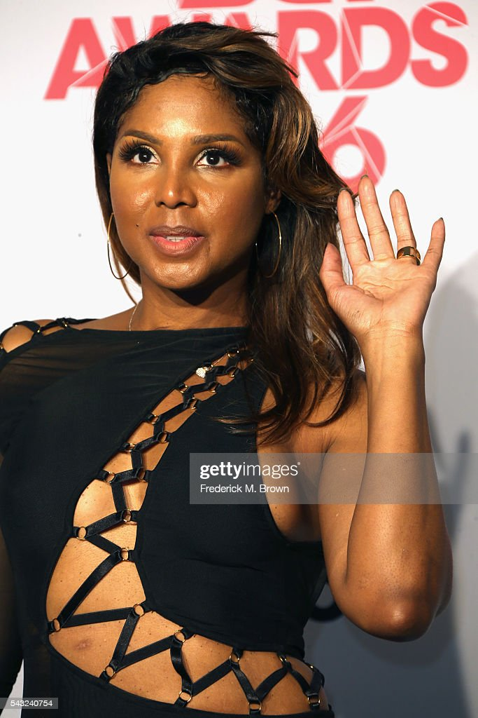 Singer <a gi-track='captionPersonalityLinkClicked' href=/galleries/search?phrase=Toni+Braxton&family=editorial&specificpeople=213737 ng-click='$event.stopPropagation()'>Toni Braxton</a> poses in the press room during the 2016 BET Awards at the Microsoft Theater on June 26, 2016 in Los Angeles, California.