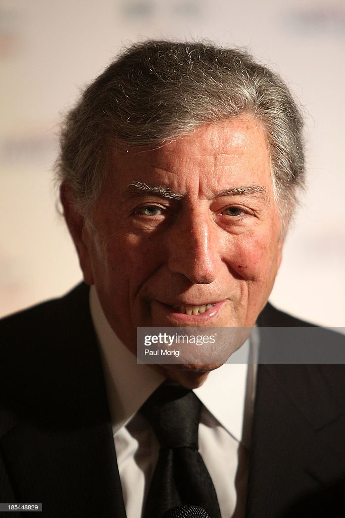Singer <a gi-track='captionPersonalityLinkClicked' href=/galleries/search?phrase=Tony+Bennett+-+Singer&family=editorial&specificpeople=160951 ng-click='$event.stopPropagation()'>Tony Bennett</a> attends The 16th Annual Mark Twain Prize For American Humor at John F. Kennedy Center for the Performing Arts on October 20, 2013 in Washington, DC.