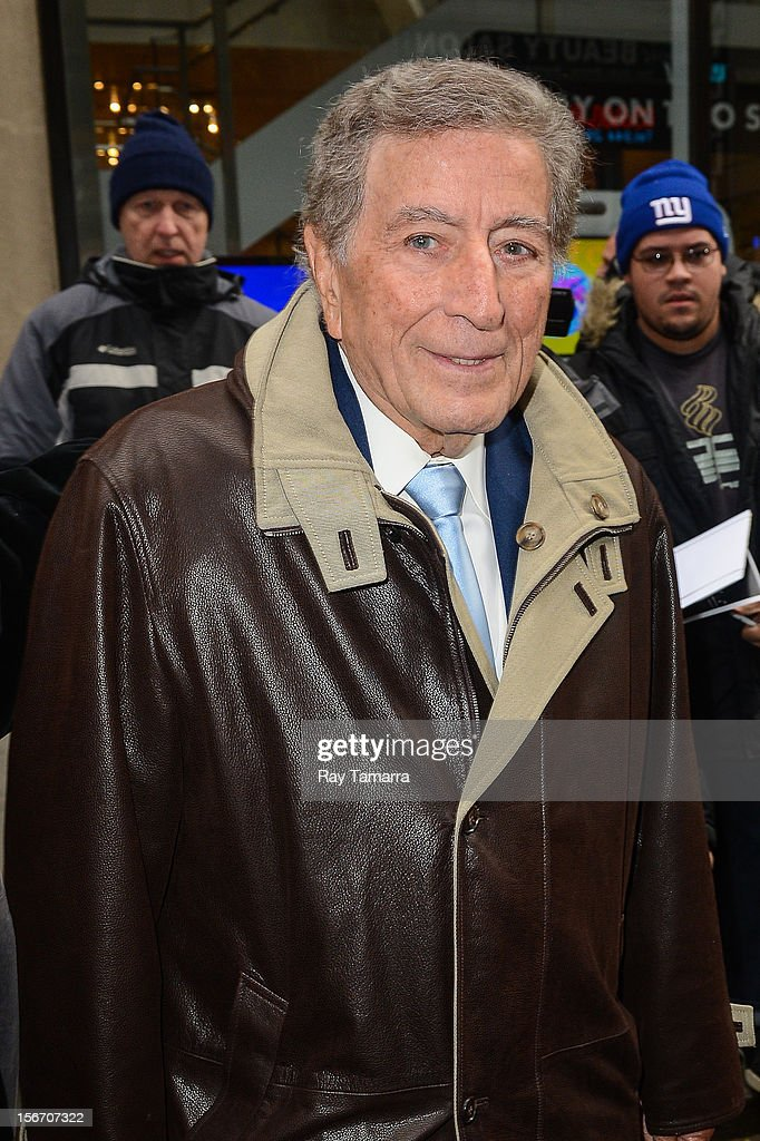 Singer <a gi-track='captionPersonalityLinkClicked' href=/galleries/search?phrase=Tony+Bennett+-+Singer&family=editorial&specificpeople=160951 ng-click='$event.stopPropagation()'>Tony Bennett</a> leaves the 'Today Show' taping at the NBC Rockefeller Center Studios on November 19, 2012 in New York City.