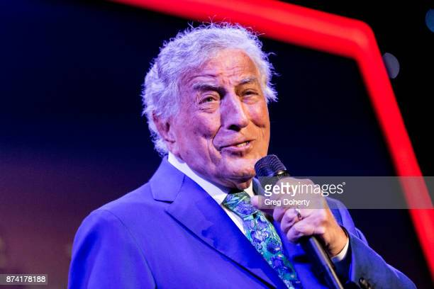 Singer Tony Bennett performs at the Saban Community Clinic's 50th Anniversary Dinner Gala at The Beverly Hilton Hotel on November 13 2017 in Beverly...
