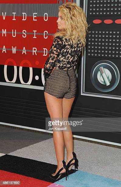 Singer Tori Kelly arrives at the 2015 MTV Video Music Awards at Microsoft Theater on August 30 2015 in Los Angeles California