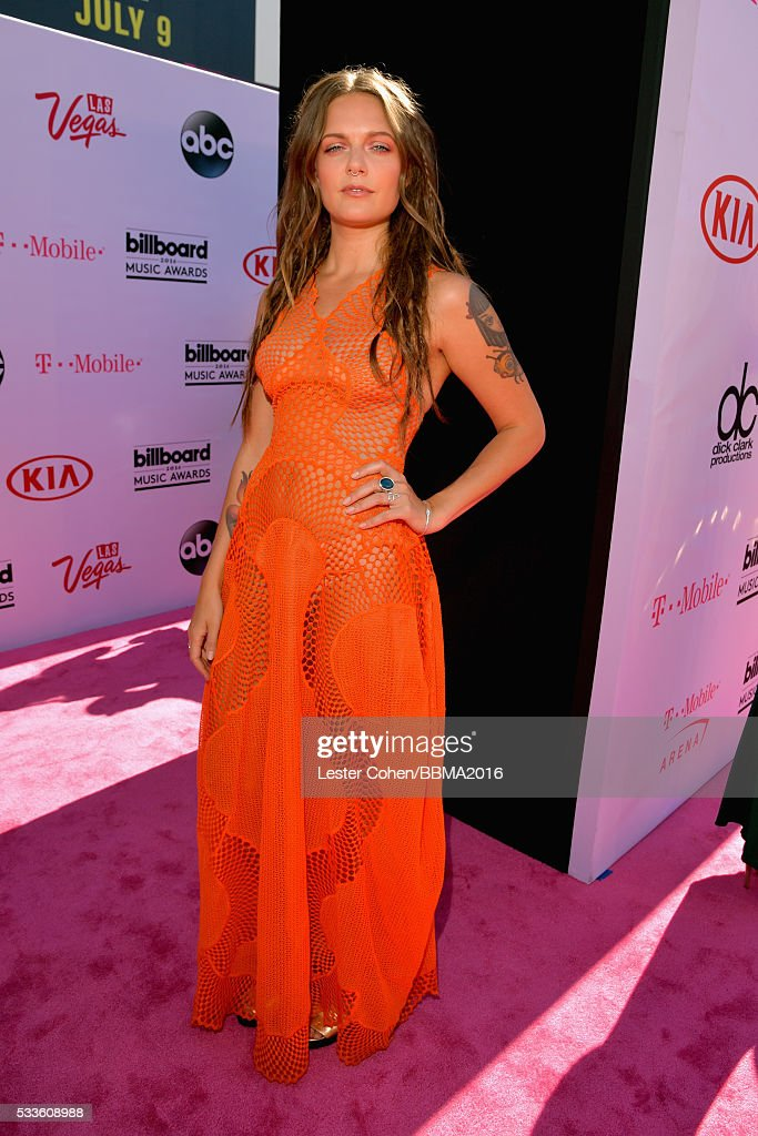 singer-tove-lo-attends-the-2016-billboard-music-awards-at-tmobile-on-picture-id533608988
