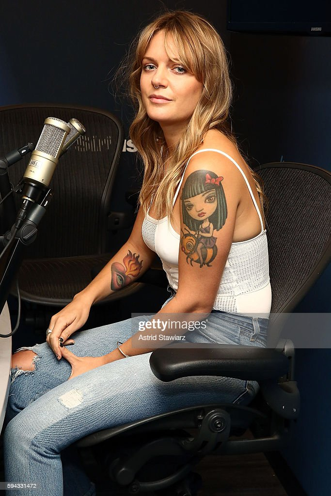 Singer Tove Lo visits the SiriusXM Studios on August 22, 2016 in New York City.