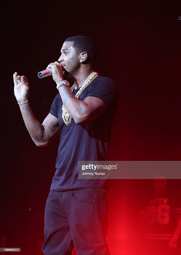 Singer <a gi-track='captionPersonalityLinkClicked' href=/galleries/search?phrase=Trey+Songz&family=editorial&specificpeople=674835 ng-click='$event.stopPropagation()'>Trey Songz</a> performs onstage at Power 105.1's Powerhouse 2013, presented by Play GIG-IT, at Barclays Center on November 2, 2013 in New York City.
