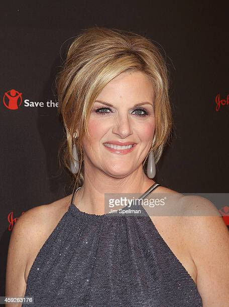 Singer Trisha Yearwood attends the 2nd annual Save the Children Illumination Gala at the Plaza Hotel on November 19 2014 in New York City