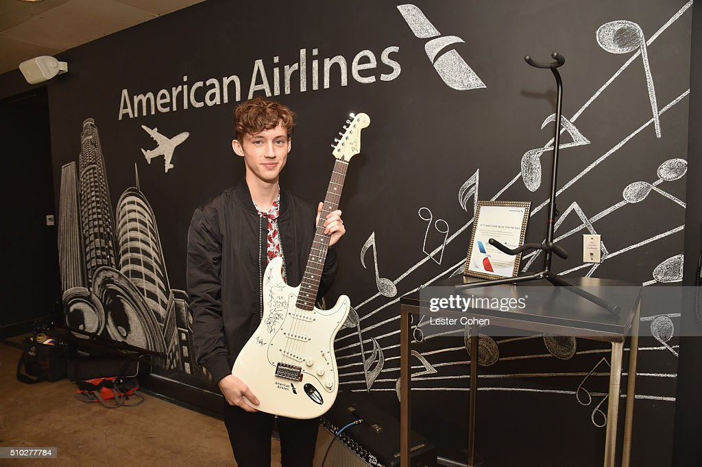 Singer <a gi-track='captionPersonalityLinkClicked' href=/galleries/search?phrase=Troye+Sivan&family=editorial&specificpeople=7343589 ng-click='$event.stopPropagation()'>Troye Sivan</a> attends Lucian Grainge's 2016 Artist Showcase Presented by American Airlines and Citi at The Theatre at Ace Hotel Downtown LA on February 14, 2016 in Los Angeles, California.