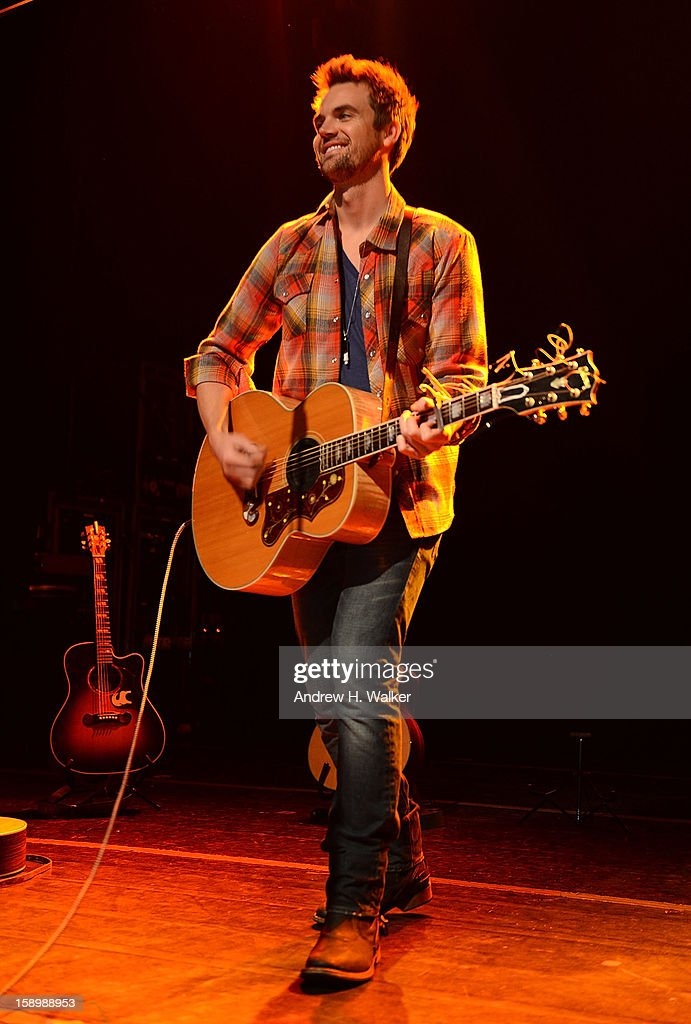 Singer <a gi-track='captionPersonalityLinkClicked' href=/galleries/search?phrase=Tyler+Hilton&family=editorial&specificpeople=213794 ng-click='$event.stopPropagation()'>Tyler Hilton</a> performs at the Gramercy Theatre on January 4, 2013 in New York City.