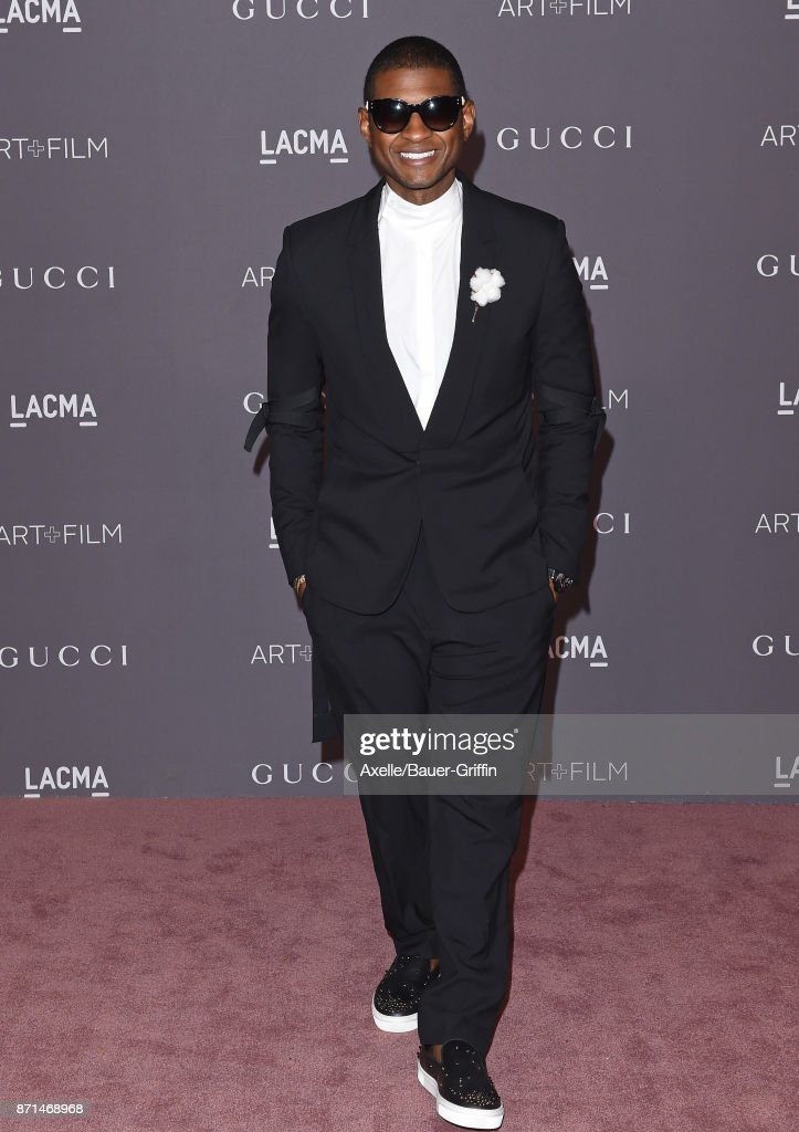 Singer Usher arrives at the 2017 LACMA Art + Film Gala at LACMA on November 4, 2017 in Los Angeles, California.