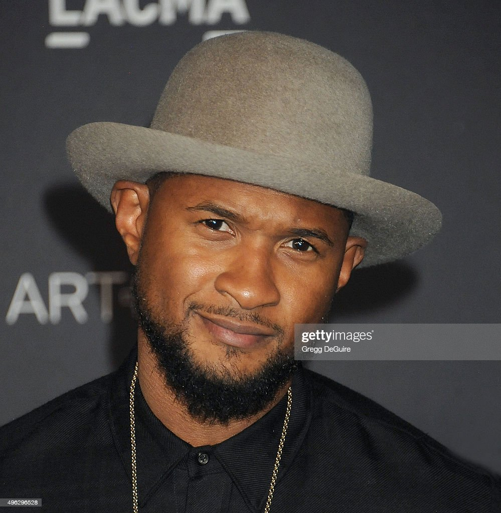 Singer <a gi-track='captionPersonalityLinkClicked' href=/galleries/search?phrase=Usher+-+S%C3%A5ngare&family=editorial&specificpeople=201477 ng-click='$event.stopPropagation()'>Usher</a> arrives at the LACMA 2015 Art+Film Gala Honoring James Turrell And Alejandro G Inarritu, Presented By Gucci at LACMA on November 7, 2015 in Los Angeles, California.