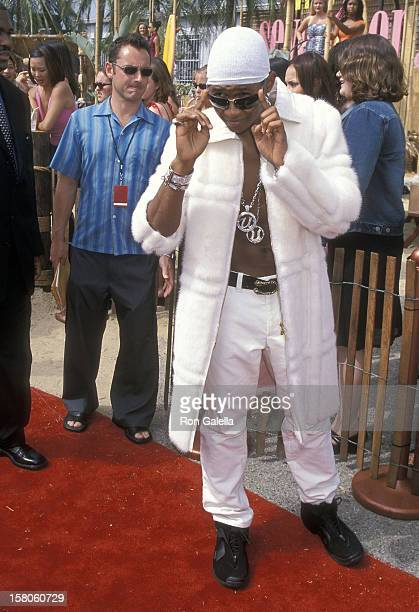 Singer Usher attends the Second Annual Teen Choice Awards on August 6 2000 at the Barker Hangar Santa Monica Air Center in Santa Monica California