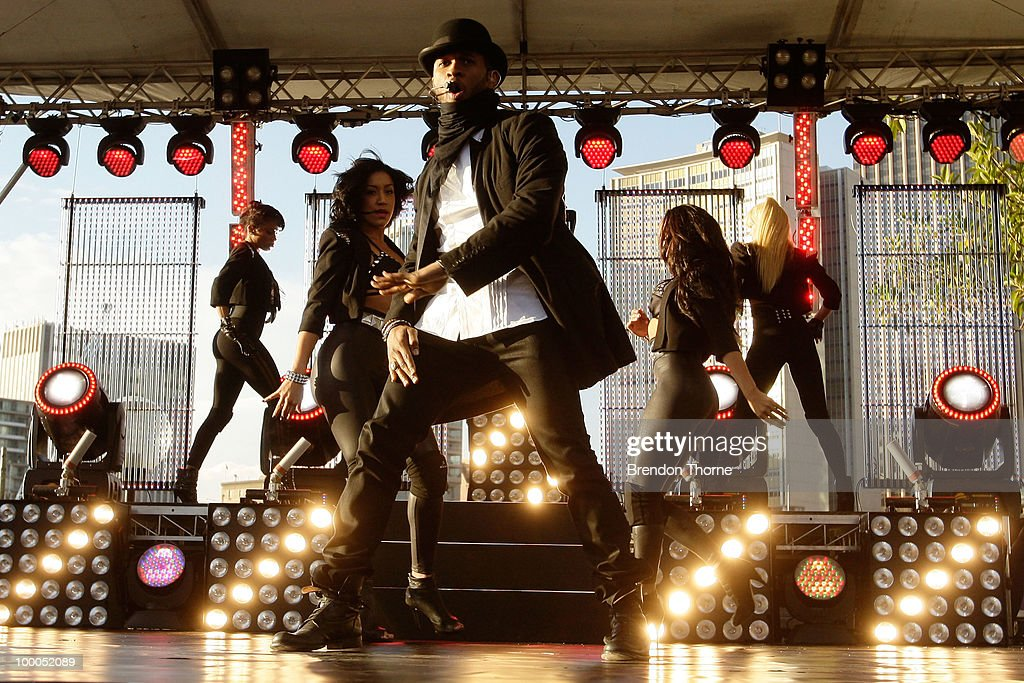 Singer Usher performs during the 'Sunrise' broadcast at the Overseas Passenger Terminal on May 21, 2010 in Sydney, Australia. Usher is in Australia on a promotional tour for his new album 'Raymond v Raymond'.