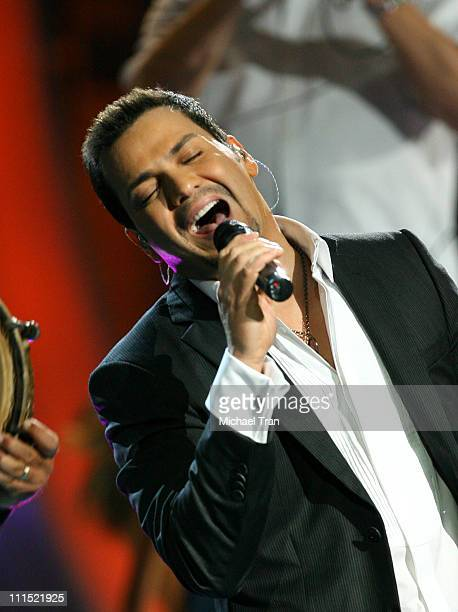 Singer Victor Manuelle performs onstage during the 9th Annual Latin Grammy Awards held at Toyota Center on November 13 2008 in Houston Texas