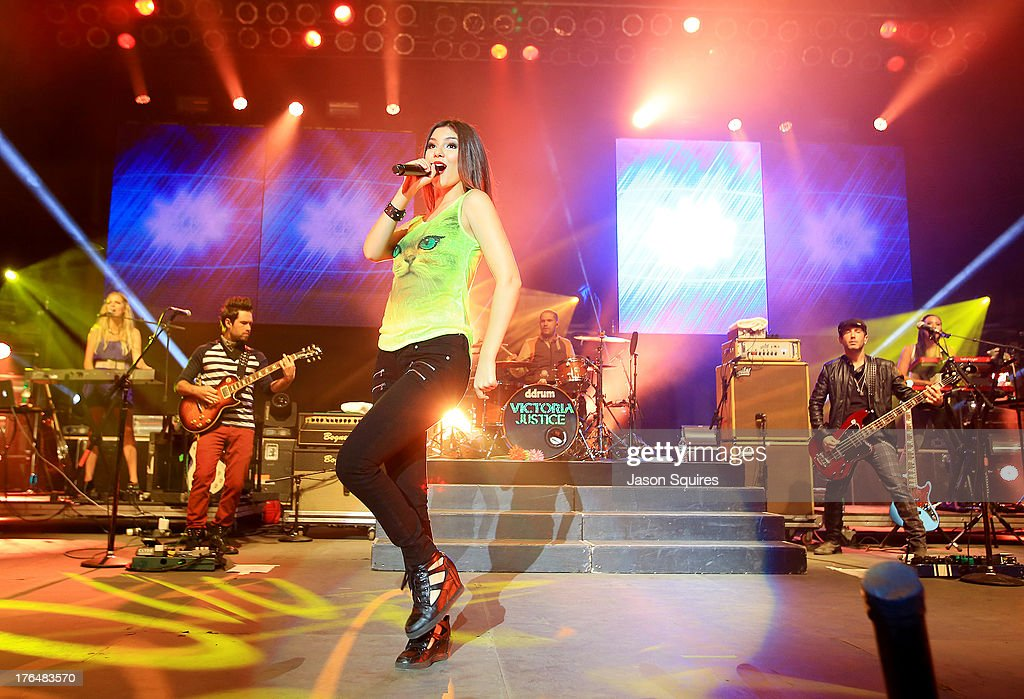 Singer <a gi-track='captionPersonalityLinkClicked' href=/galleries/search?phrase=Victoria+Justice&family=editorial&specificpeople=569887 ng-click='$event.stopPropagation()'>Victoria Justice</a> performs at the Iowa State Fair on August 13, 2013 in Des Moines, Iowa.