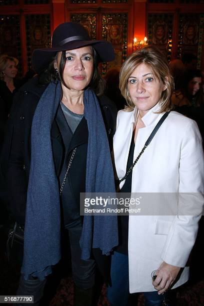 Singer Viktor Lazlo and Autor Amanda Sthers attend the 'L'Etre ou pas' Theater play at Theatre Antoine on March 21 2016 in Paris France