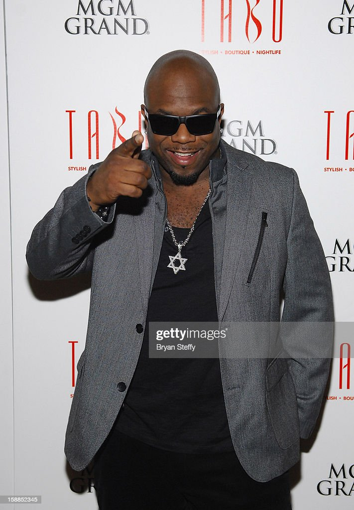 Singer Wanya Morris of Boyz II Men arrives at Tabu at the MGM Grand Hotel/Casino for a New Year's Eve appearance on December 31, 2012 in Las Vegas, Nevada.