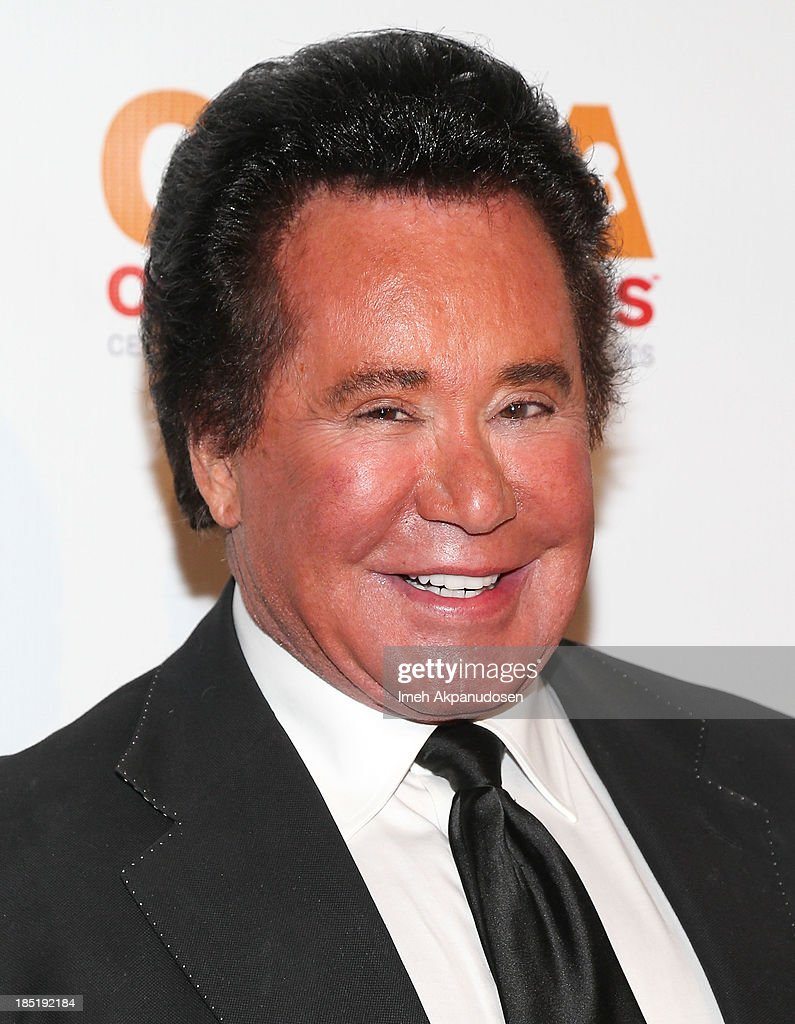Singer <a gi-track='captionPersonalityLinkClicked' href=/galleries/search?phrase=Wayne+Newton&family=editorial&specificpeople=213441 ng-click='$event.stopPropagation()'>Wayne Newton</a> attends CoachArt's 9th Annual 'Gala Of Champions' at The Beverly Hilton Hotel on October 17, 2013 in Beverly Hills, California.