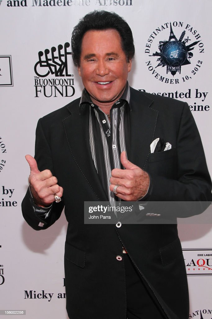 Singer <a gi-track='captionPersonalityLinkClicked' href=/galleries/search?phrase=Wayne+Newton&family=editorial&specificpeople=213441 ng-click='$event.stopPropagation()'>Wayne Newton</a> attends Destination Fashion 2012 To Benefit The Buoniconti Fund To Cure Paralysis, the fundraising arm of The Miami Project to Cure Paralysis, on November 10, 2012 in Miami, Florida.
