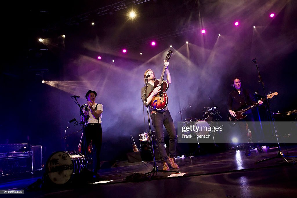 Singer Wesley Schultz (C) of the American band The Lumineers performs live during a concert at the Admiralspalast on May 6, 2016 in Berlin, Germany.