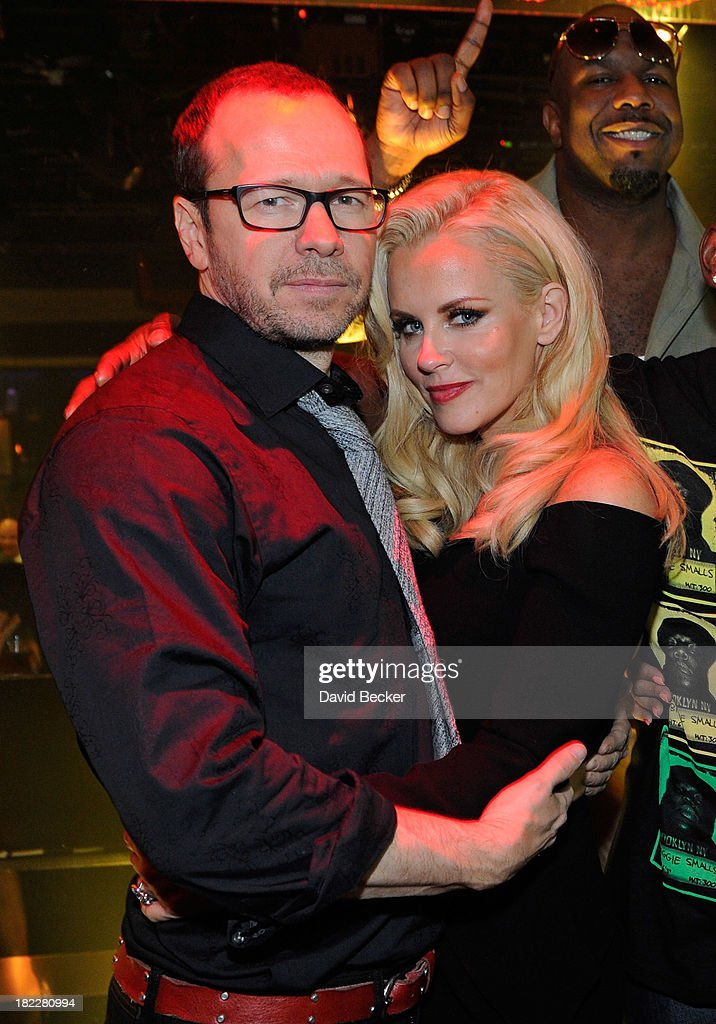 Singer/actor <a gi-track='captionPersonalityLinkClicked' href=/galleries/search?phrase=Donnie+Wahlberg&family=editorial&specificpeople=220537 ng-click='$event.stopPropagation()'>Donnie Wahlberg</a> (L) and actress/television host <a gi-track='captionPersonalityLinkClicked' href=/galleries/search?phrase=Jenny+McCarthy&family=editorial&specificpeople=202900 ng-click='$event.stopPropagation()'>Jenny McCarthy</a> appear at 1 OAK Nightclub at The Mirage Hotel & Casino on September 28, 2013 in Las Vegas, Nevada.