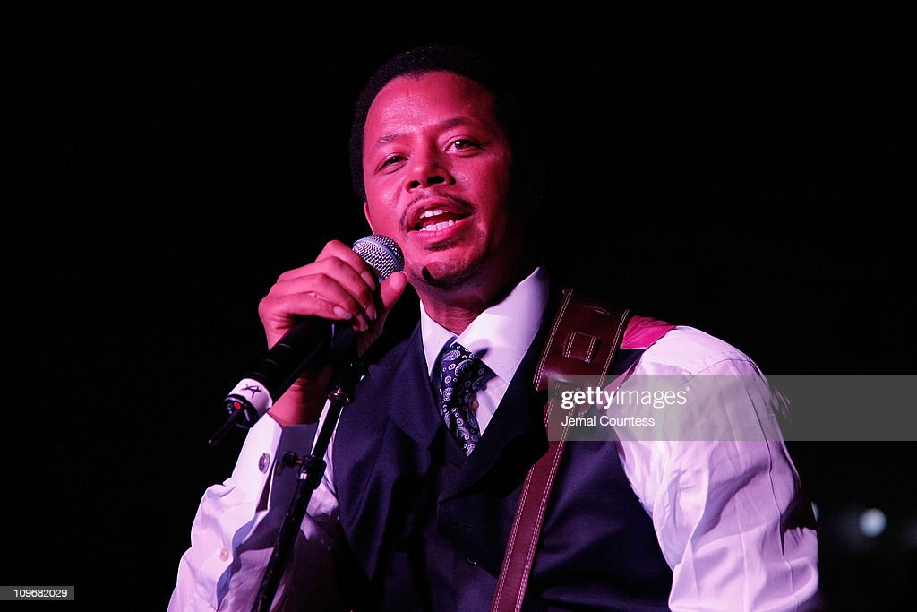 Singer/Actor Terrence Howard performs at The Beat of Chic Party at Bloomingdale's on September 3, 2008 in New York City
