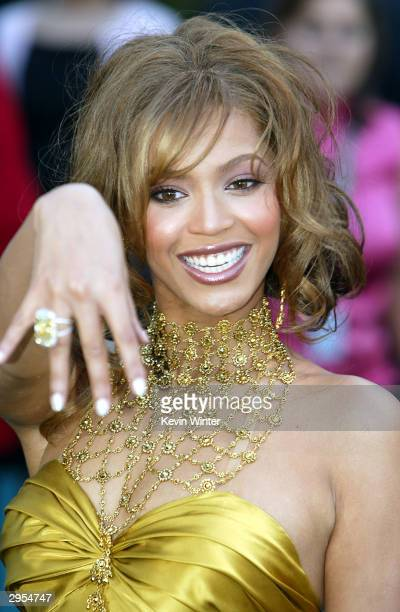 Singer/actress Beyonce Knowles arrives at the 46th Annual Grammy Awards held at the Staples Center on February 8 2004 in Los Angeles California