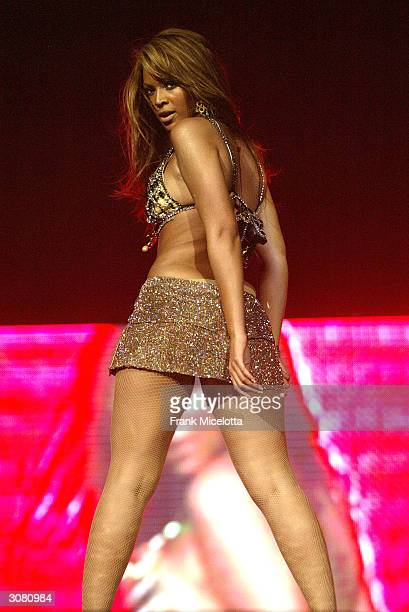 Singer/actress Beyonce Knowles performs onstage during the start of the 'Verizon Ladies First Tour 2004' at the Office Depot Center March 12 2004 in...
