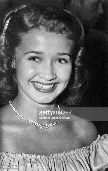 Singer/actress Jane Powell smiles as she poses in Los Angeles California