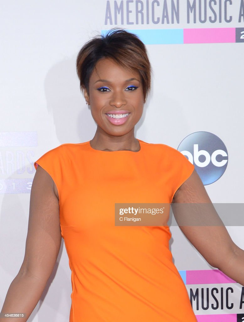 Singer/Actress <a gi-track='captionPersonalityLinkClicked' href=/galleries/search?phrase=Jennifer+Hudson&family=editorial&specificpeople=234833 ng-click='$event.stopPropagation()'>Jennifer Hudson</a> arrives at the 2013 American Music Awards at Nokia Theatre L.A. Live on November 24, 2013 in Los Angeles, California.