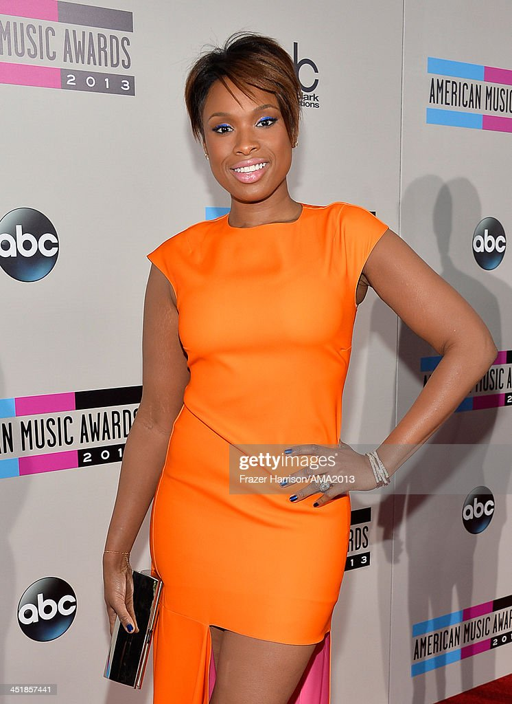Singer/actress <a gi-track='captionPersonalityLinkClicked' href=/galleries/search?phrase=Jennifer+Hudson&family=editorial&specificpeople=234833 ng-click='$event.stopPropagation()'>Jennifer Hudson</a> attends the 2013 American Music Awards at Nokia Theatre L.A. Live on November 24, 2013 in Los Angeles, California.