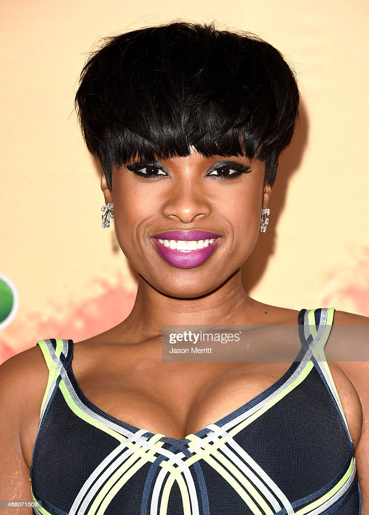 Singer/actress <a gi-track='captionPersonalityLinkClicked' href=/galleries/search?phrase=Jennifer+Hudson&family=editorial&specificpeople=234833 ng-click='$event.stopPropagation()'>Jennifer Hudson</a> poses in the press room during the 2015 iHeartRadio Music Awards which broadcasted live on NBC from The Shrine Auditorium on March 29, 2015 in Los Angeles, California.