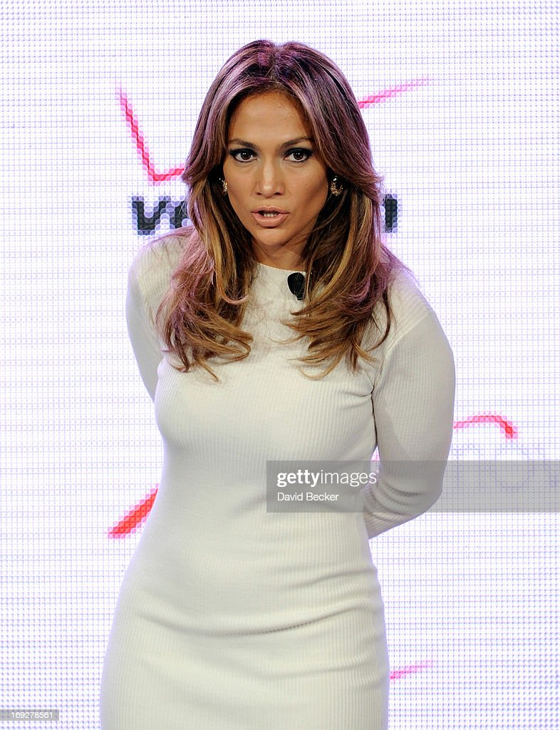 Singer/actress <a gi-track='captionPersonalityLinkClicked' href=/galleries/search?phrase=Jennifer+Lopez&family=editorial&specificpeople=201784 ng-click='$event.stopPropagation()'>Jennifer Lopez</a> announces Viva Movil by <a gi-track='captionPersonalityLinkClicked' href=/galleries/search?phrase=Jennifer+Lopez&family=editorial&specificpeople=201784 ng-click='$event.stopPropagation()'>Jennifer Lopez</a>, a new national wireless retailer designed for the Latino community, during a Verizon Wireless news conference at the CTIA 2013 convention at the Venetian Las Vegas on May 22, 2013 in Las Vegas, Nevada.