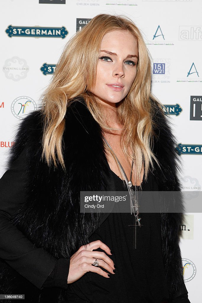 Singer/actress Kate Nauta attends the 2011 Hope for Them Foundation Holiday Toy drive at Gallery 151 on December 17, 2011 in New York City.