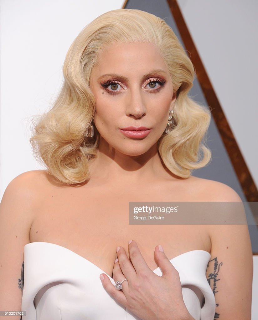 Singer/actress <a gi-track='captionPersonalityLinkClicked' href=/galleries/search?phrase=Lady+Gaga&family=editorial&specificpeople=4456754 ng-click='$event.stopPropagation()'>Lady Gaga</a> arrives at the 88th Annual Academy Awards at Hollywood & Highland Center on February 28, 2016 in Hollywood, California.